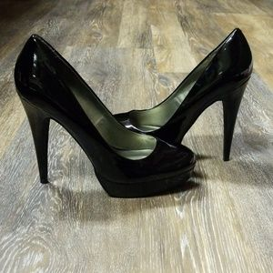 👠 Black Guess Platform Heels! 👠